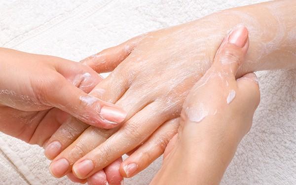 Gloss Manicure